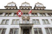 Der Schwyzer Regierungsrat hat sich auf ein angepasstes Strassenbauprogramm geeinigt. (Bild: Manuela Jans-Koch, Schwyz, 27. Januar 2012)
