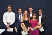 Zeichner-Absolvent mit Wohnsitz im Werdenberg: Dominic Zogg (vierter von links) aus Weite. (Bild: Christian Imhof)