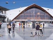 Der Bund will sich auch künftig finanziell am Bau von Sportanlagen beteiligen. Eines der Projekte ist der Neubau des Davoser Eisstadions. (Bild: KEYSTONE/MARTIN RUETSCHI)