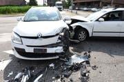 Beide Fahrzeuge waren nicht mehr fahrbar. (Bild: Luzerner Polizei)