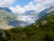 Der Aletsch Gletscher ist Unesco Welterbe: Doch mit zusehends häufigeren Hitzesommern schmelzen die Gletscher und schwitzen die Menschen. (Bild: KEYSTONE/ANTHONY ANEX)
