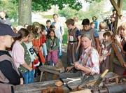 Am Freitagnachmittag erhalten Schulklassen die Möglichkeit, im Geschichtsunterricht in das Mittelalter einzutauchen. Bilder: Hans Suter
