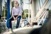 Michael Thurau erholt sich auf seinem Segelboot auf dem Bodensee. (Bild: Reto Martin)
