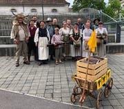 Zwölf Mitglieder der Tellspielgesellschaft spielten am vergangenen Samstag an der Fête des Vignerons in Vevey.Bild: PD (Vevey)