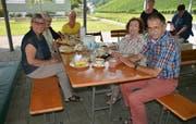 Beim gemütlichen Zusammensein erfährt man so einiges. (Bild: Christian Tschümperlin, Altdorf, 19. Juli 2019)
