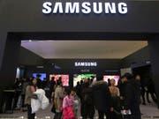 Der koreanische Samsung-Konzern hat im zweiten Quartal deutlich weniger verdient als im Vorjahr. (Bild: KEYSTONE/AP/AHN YOUNG-JOON)
