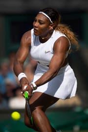 Die US-Amerikanerin Serena Williams spielt im Mixed-Doppel mit Andy Murray. (Bild: Getty Images, London, 2. Juli 2019)