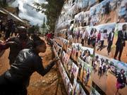 Bei dem Anschlag auf dem Gelände der Universität von Garissa im Osten Kenias kamen im April 2015 mindestens 148 Menschen ums Leben. (Bild: KEYSTONE/AP/BEN CURTIS)