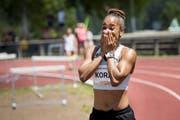 Salomé Kora nach ihrem erfolgreichen 100-Meter-Lauf in La Chaux-de-Fonds. (Bild: Jean-Christophe Bott/Keystone, 30. Juni 2019)