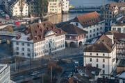 So sieht der heutige Standort aus: Das Naturmuseum und das Historische Museum am Kasernenplatz. (Bild: Boris Bürgisser, 22. Januar 2018)