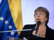 Uno-Menschenrechtskommissarin Michelle Bachelet hat die Regierung von Venezuela aufgefordert, die schweren Menschenrechtsverletzungen in dem südamerikanischen Land zu beenden. (Bild: KEYSTONE/EPA EFE/RAYNER PENA)