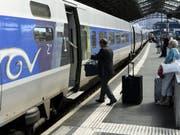 Die TGV-Betreiberin Lyria wollte eine von vier täglichen Zugverbindungen von Lausanne nach Paris über das Burgund und die Freigrafschaft (Franche-Comté) einstellen. (Bild: Keystone/LAURENT GILLIERON)