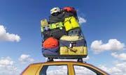 Wer gerne mit viel Gepäck reist, setzt am besten aufs Auto. (Symbolbild: Getty)
