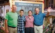 Das siegreiche Giswiler Jass-Team (von links): Sepp Burch, Andrin Kiser, Sandra Niederberger und Gemeindepräsident Beat von Wyl. Bild: PD (Donnerstag, 6. Juli 2019)