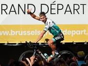 Daumen hoch von Peter Sagan - auch nach der 1. Etappe am Samstag? (Bild: KEYSTONE/AP/THIBAULT CAMUS)