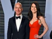 Bleibt auch nach der Scheidung von Frau MacKenzie der reichste Mensch der Welt: Amazon-Gründer Jeff Bezos. (Bild: KEYSTONE/AP Invision/EVAN AGOSTINI)