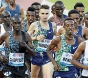 Julien Wanders (Mitte) am letzten Freitag beim 5000-Meter-Lauf an der Athletissima in Lausanne. (Bild: Alexandra Wey/Keystone, 5. Juli 2019)