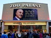 Bei einer Gala in Berlin hat der Filmproduzent Artur Brauner im letzten September seinen 100. Geburtstag gefeiert. Am Sonntag ist er gestorben. (Bild: KEYSTONE/EPA/ALEXANDER BECHER)