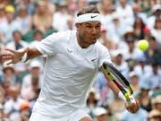 Rafael Nadal befindet sich in Topform und überzeugte gegen João Sousa auch am Netz (Bild: KEYSTONE/AP/ALASTAIR GRANT)