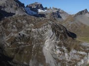 Der verschüttete Bereich des Felsenwegs von der Rusalp zum Oberstafel der Alp Alplen soll in einem Tunnel umgangen werden. (Bild: Matthias Stadler, 19. Oktober 2017)