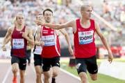 Bei der Athletissima von Lausanne läuft Jonas Schöpfer (rechts) die 800 Meter in 1:49,01, das ist seine drittbeste Zeit in seiner Karriere. Bild: Jean-Christophe Bott/Keystone (Lausanne, 5. Juli 2019)