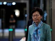 Verzichtet nach anhaltenden Massenprotesten definitiv auf ein umstrittenes Auslieferungsgesetz: Hongkongs Regierungschefin Carrie Lam. (Bild: KEYSTONE/AP/VINCENT YU)