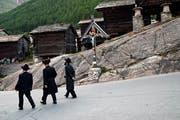 Strenggläubige Juden fallen durch ihre Kleidung auf und besuchen gerne Bergdörfer wie Saas-Fee VS. (Bild: Danuta Hyniewska/Prisma)