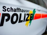 Die Stadtpolizei Stein am Rhein sowie die Schaffhauser Polizei mussten wegen eines Rentners ausrücken, der mit einem Luftgewehr auf Gebäude und Bäume schoss. (Bild: KEYSTONE/ENNIO LEANZA)
