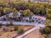 In dieser Villa auf Ibiza soll das Video mit den umstrittenen Aussagen des früheren österreichischen Vizekanzlers Heinz-Christian Strache (FPÖ) aufgenommen worden sein. (Bild: KEYSTONE/EPA EFE/SERGIO G. CAÑIZARES.)