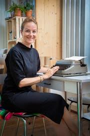 Ihre Schreibmaschinensammlung umfasst sieben Stück. (Bild: Urs Bucher)
