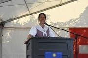Mit kleinen Anekdoten brachte FDP-Parteipräsidentin Petra Gössi die Zuhörer immer wieder zum Lachen. Bild: PAG