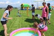 Am Donnerstag gab es Wasserspiele und anderes mehr für die ganze Familie. (Bild: Trudi Krieg)
