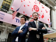 Pinterest-Gründer Ben Silbermann (Links) und Evan Sharp vor dem Börsengang im April in New York. (Bild: KEYSTONE/AP/RICHARD DREW)