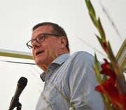 Ständerat Roland Eberle im Festzelt auf der Steckborner Seeschulhaus-Wiese. (Bild: Mathias Frei)