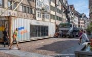 Am Donnerstag wurde der zum Kulturraum umgebaute Frachtcontainer geliefert. (Bild: Christof Gruber)