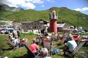 Der Schlüsselübergabe wohnten viele Zaungäste bei. (Bild: Urs Hanhart, Oberalppass, 9. August 2019)