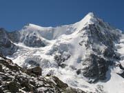 Drei deutsche Alpinisten war auf dem Aufstieg auf das Obergabelhorn (4064 Meter über Meer), als sich das Unglück ereignete. (Bild: KEYSTONE/ARNO BALZARINI)