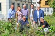 Harry Stehrenberger, Dominique Bornhauser, Toni Kappeler, David H. Bon und Guido Grütter; vorne: Viktor Gschwend, Maja Lüscher. (Bild: PD)