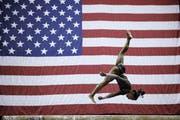 Simone Biles während dem Wettkampf in Kansas City. (Bild: AP Photo/Charlie Riedel)