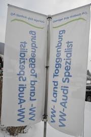 Werbefahnen des VW-Land Toggenburg. (Bild: Sabine Camedda)