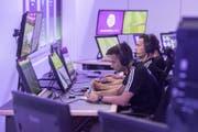 Die Video-Assistant-Referees machen bisher einen guten Job (Bild: key).