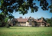 Schloss Cecilienhof in Potsdam gehörte einst den Hohenzollern. Jetzt will es die Familie zurück. Bild: Clemens Bilan/EPA (18. Juli 2019)