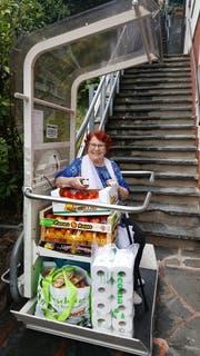 Delfina Ricci mit dem Einkauf aus Como. (Bild: Lob)