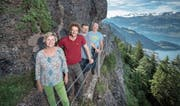 Heleen van Dorst, Gregor Vörös, Stefan Winiger und Wolfram Schneider (von links) beim Felsenweg. (Bild: Pius Amrein, Rigi Kaltbad, 8. August 2019)