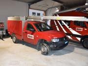 Nach der Spritztour wurde das praktisch nicht mehr fahrbare Feuerwehrauto wieder zurück in die Garage gestellt. (Bild: Kantonspolizei Graubünden)