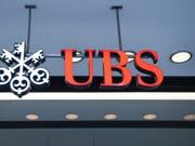 Die Aktien der UBS sind am Mittwoch unter die Marke von 10 Franken gefallen. Damit notiert das Papier der grössten Schweizer Bank auf dem tiefsten Stand seit sieben Jahren. (Bild: KEYSTONE/MELANIE DUCHENE)