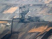 Der Braunkohleverstromer will zu einem der grössten Produzenten von grünem Strom in Europa werden (Bild: KEYSTONE/EPA/FRIEDEMANN VOGEL)