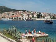 Der Vergiftungsfall ereignete sich auf einer Segeljacht vor der kroatischen Insel Hvar. (Bild: KEYSTONE/AP/SHEILA NORMAN-CULP)
