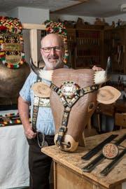 Auch das gehört zu seinem Repertoire: Ein kunstvoll gefertigtes Stierenhalfter. (Bild: Hanspeter Schiess)