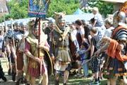 Römische Legionäre am historischen Markt auf Schloss Wellenberg. (Bild: Donato Caspari, 25. Mai 2017)